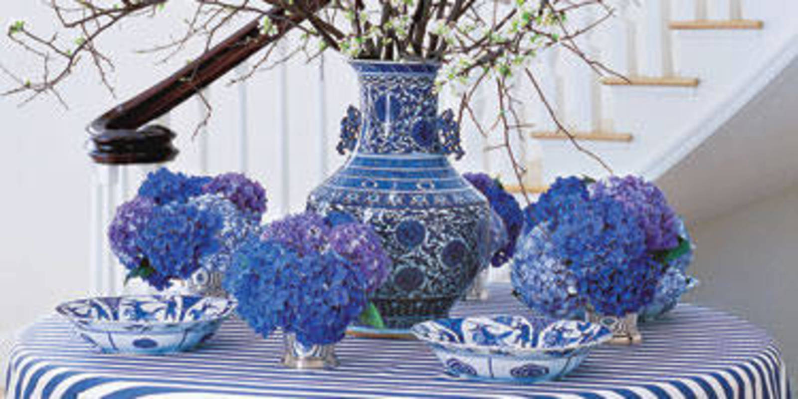 ways to decorate with blue and white blue and white decor
