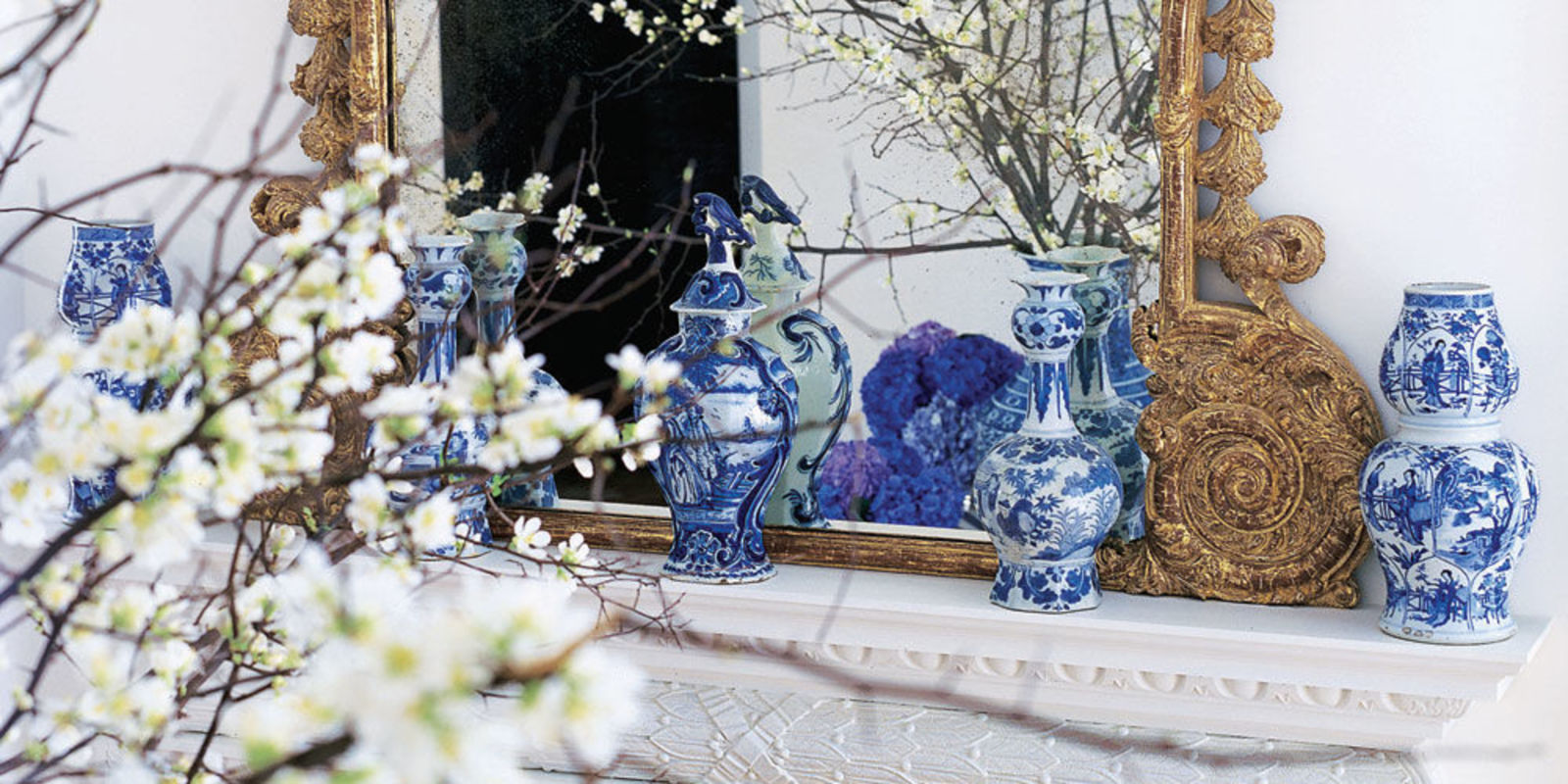 Blue and white porcelain delft and chinoiserie china for Decoration veranda