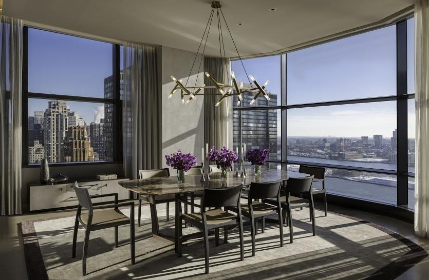 Queen Elizabeth S New Manhattan Pied 224 Terre Classy And