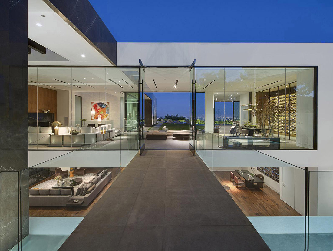 Step inside calvin klein 39 s new los angeles mansion for New house in los angeles