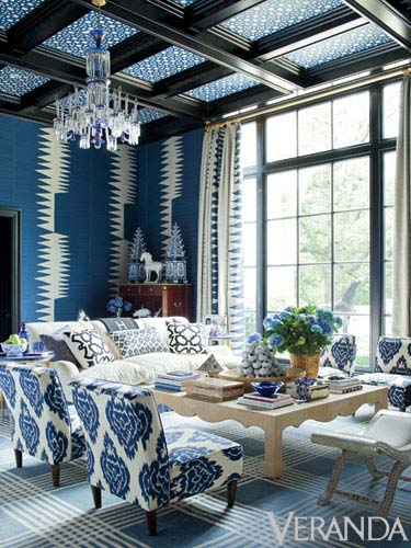 8 ways to decorate with blue and white blue and white decor blue white living room