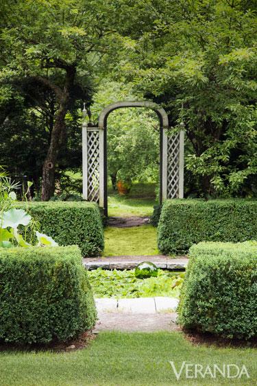 A tranquil garden how to create a tranquil garden for Tranquil garden designs